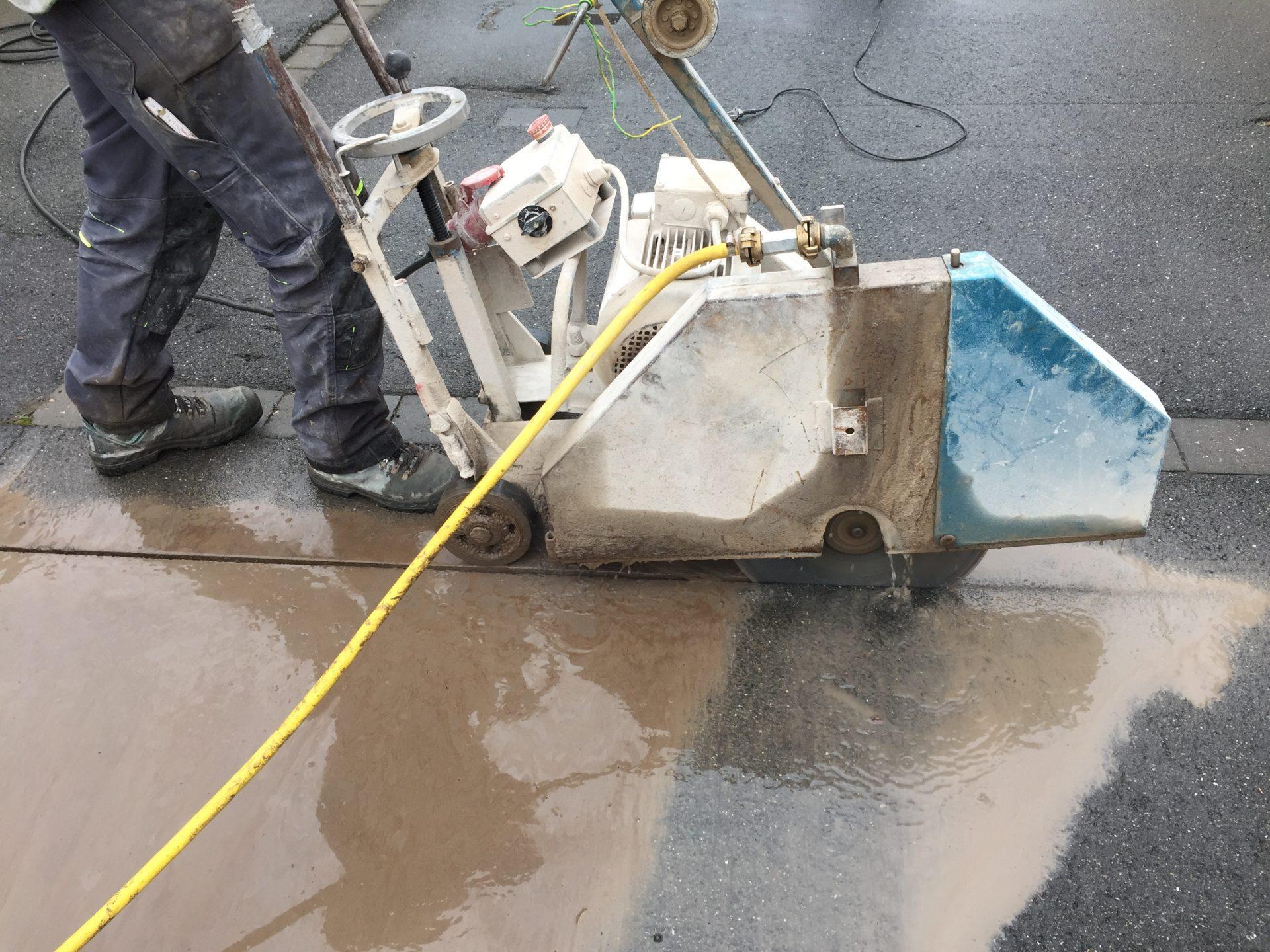 Asphalt Fußbodenplatten ~ Fugenschneiden betonbohr krasemann